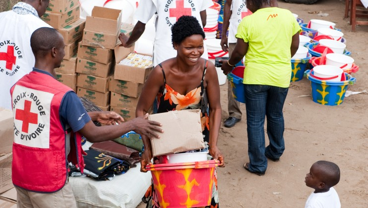 ICRC distributing essential goods in the Ivory Coast, 2010