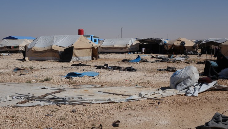 Mabrouka camp in Hassakeh governorate: The camp is located 100km from Deir Ezzor city. Around 1200 people who recently fled Deir Ezzor and Raqqa city have taken refuge in the camp, among which 600 children (60 of them lost their parents and came with neighbors).