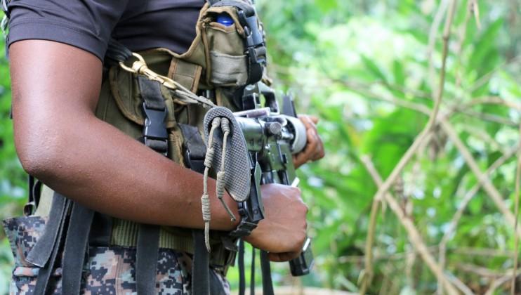 Miembro de un grupo armado en Colombia. Isabel Ortigosa/CICR