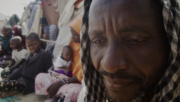 Usman Mohamed, 53 ans, est arrivé à Teachers Village il y a un mois. Il a quitté Cross Kauwa avec ses deux femmes et leurs onze enfants. Comme il connaissait Mohamed Liman, originaire du même village, il l'a aidé à s'installer dans le camp.