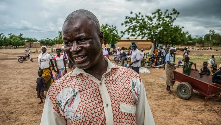 Barsalogho est le principal point de ralliement des personnes qui fuient les violences dans la région du Centre-Nord du Burkina Faso. « La commune accueille actuellement plus de 35 000 personnes et il y a continuellement de nouveaux arrivants, qui parcourent jusqu'à 65 km à pied pour venir ici », Adama Sawadogo, volontaire de la Croix-Rouge burkinabè.