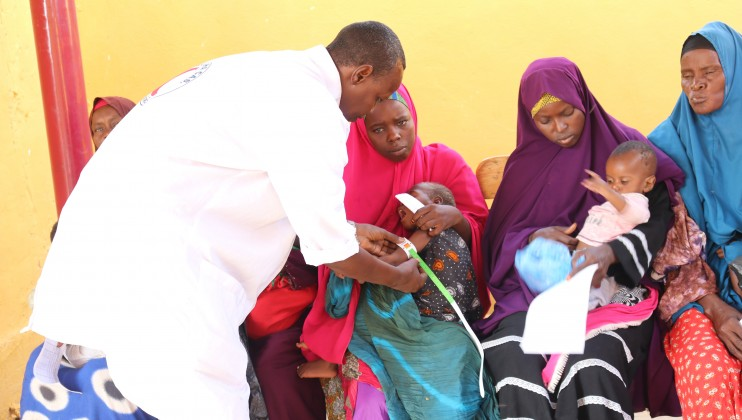 : The Somali Red Crescent Society (SRCS) set up a temporary clinic to support famillies who were displaced by floods. Beledweyne town was the worst affected by the flash floods and rains in November 2019. The main hospital in the area is closed due to flooding and many people are cut-off from the clinic in the town. Abdikarim Mohamed/ICRC