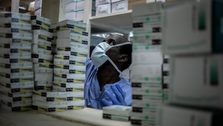 Keysaney Hospital pharmacy. ICRC/Ismail Taxta