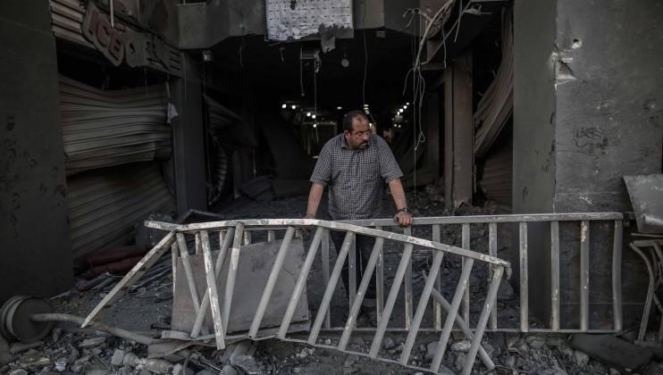 Air strike impact Gaza (2)